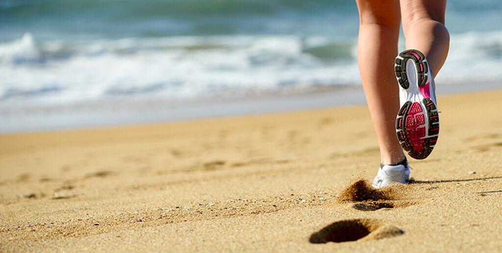 corriendo_en_las_playas_de_cancun