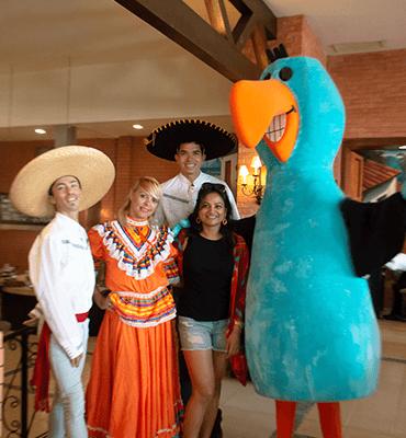 Pancho Solaris festejando el 20 de Noviembre