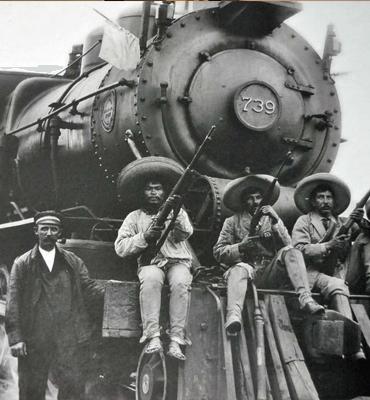 Revolucionarios en el 20 de Noviembre