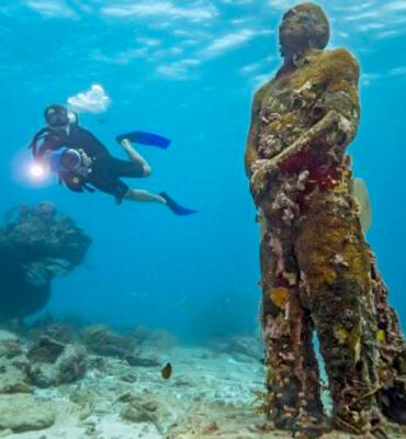 Formaciones bajo el agua en las Playas de Cancún