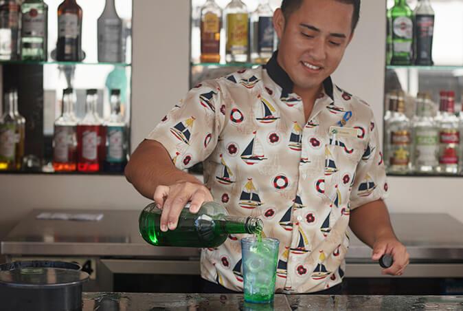 bar de alberca en GR caribe