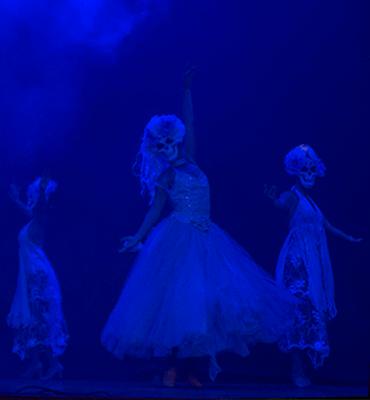 The Ghastly figure of La Llorona in the Show de Coco de Royal Solaris Los Cabos