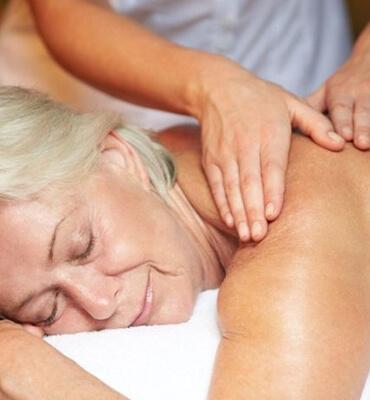 Tratamiento Especial para Adultos Mayores en el Spa de Royal Solaris Los Cabos