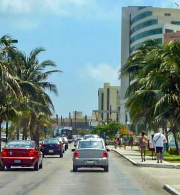 Saliendo del Hotel a las Calles de Cancun