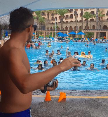 Actividad de Adivinar la Pelicula en el Hotel Solaris de Los Cabos