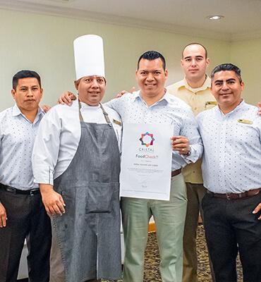 Recibiendo el Certificado Cristal en Los Cabos