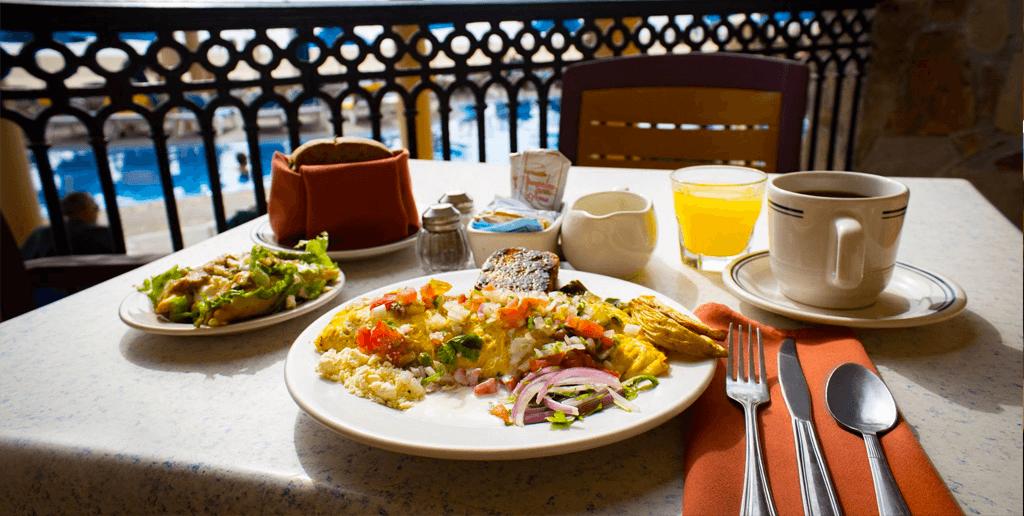 desayuno-en-el-cafe-solaris