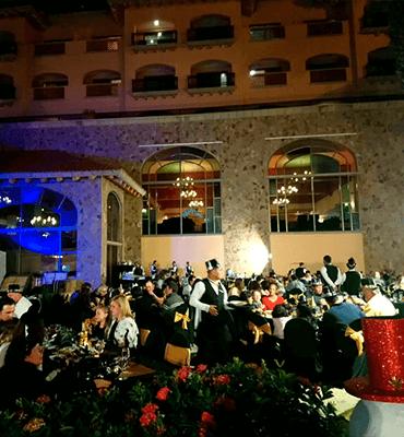 Celebrando con Buffet en el Año Nuevo en Los Cabos