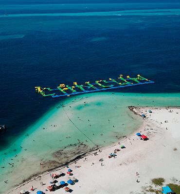Parque Acúatico en la Playa Langosta de Cancun