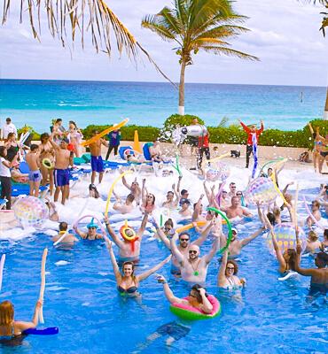 Fiesta de Espuma en los Hoteles Solaris de Cancún