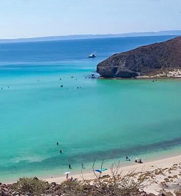 La costa de la playa Balandra en La Paz