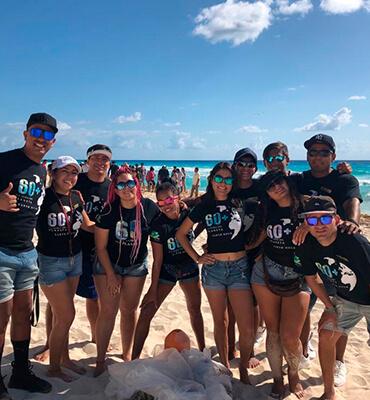 El equipo de Animacion de Cancun en la Hora del Planeta