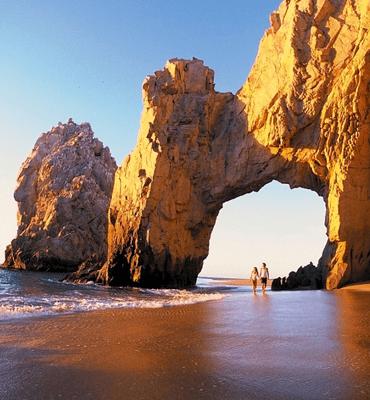 Caminando en el Arco de Los Cabos