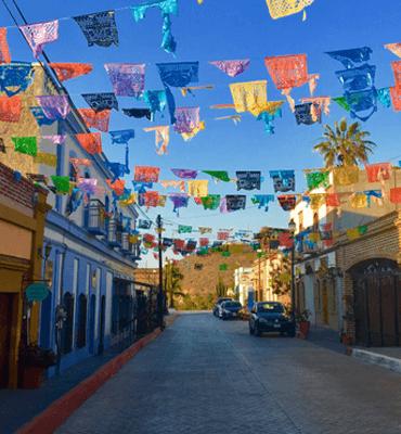 El pueblo de Todos Santos en Los Cabos