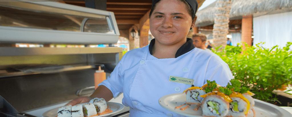 Sushi preparado por los Chefs de Royal Solaris Los Cabos