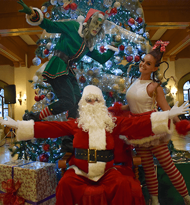 Santa Claus arrives to the Solaris Family in Los Cabos