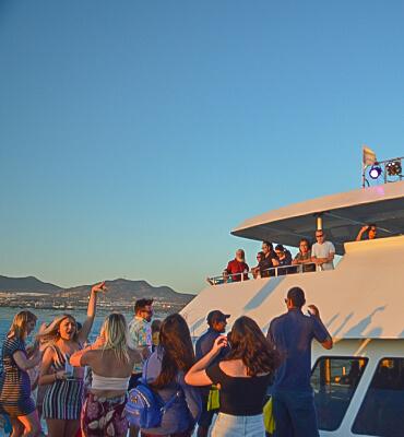 Disfrutando la Tarde en el Sunset Tour en Cabo